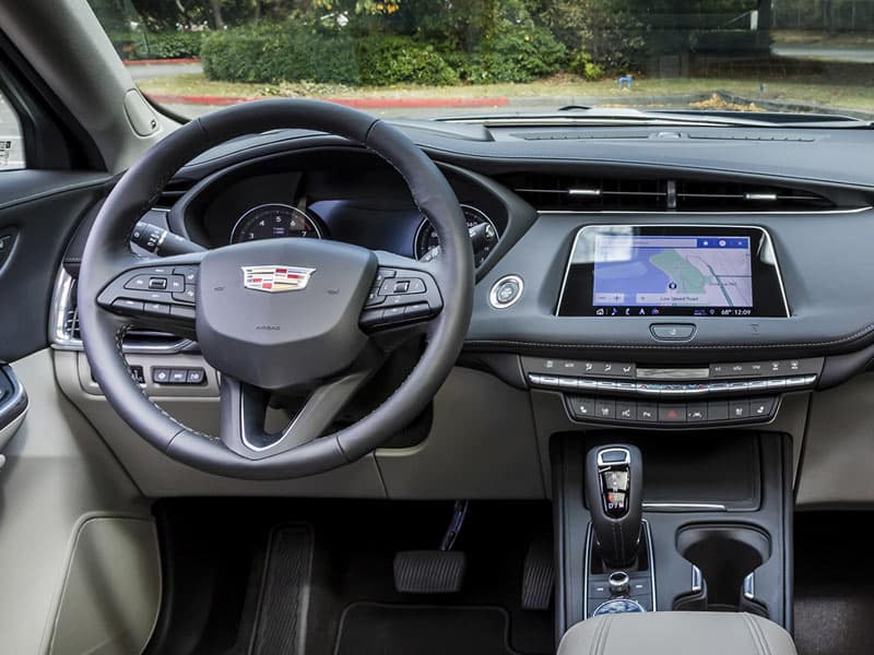 2021 Cadillac XT4 interior comfort and technology