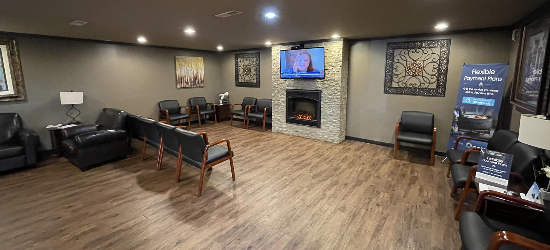 Gary FOrce Honda Waiting room