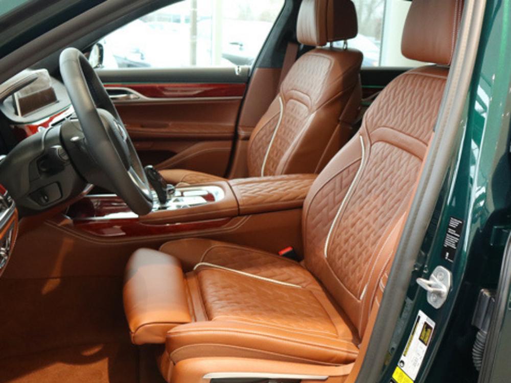 2020 BMW B7 ALPINA xDrive - Green Metallic 3