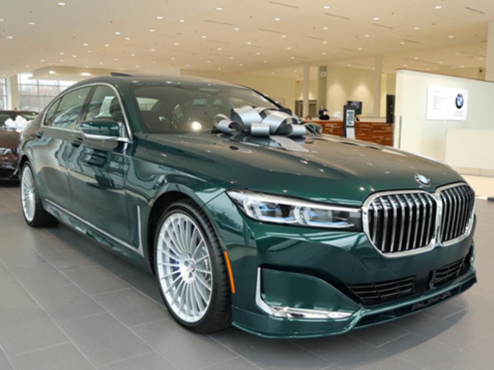 2020 BMW B7 ALPINA xDrive - Green Metallic 2