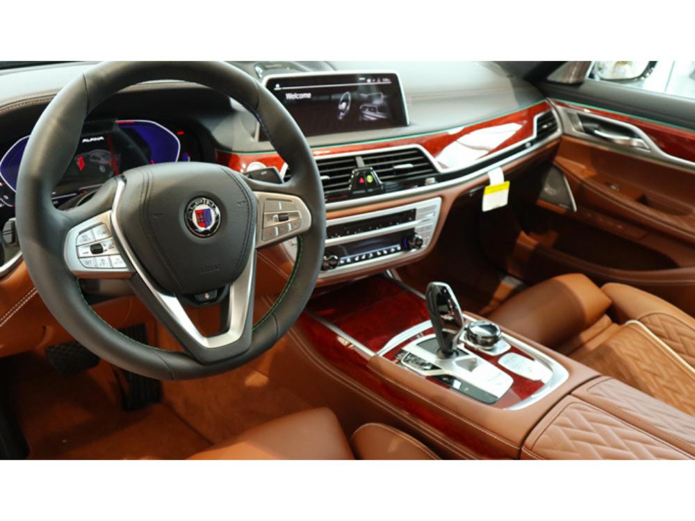 2020 BMW B7 ALPINA xDrive - Green Metallic 4
