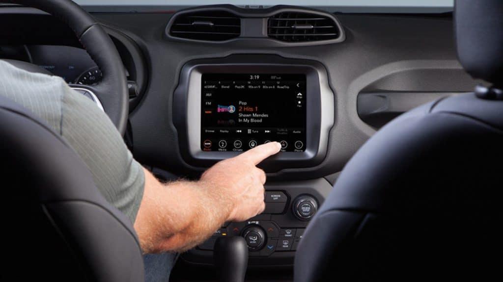 2021 jeep renegade interior front