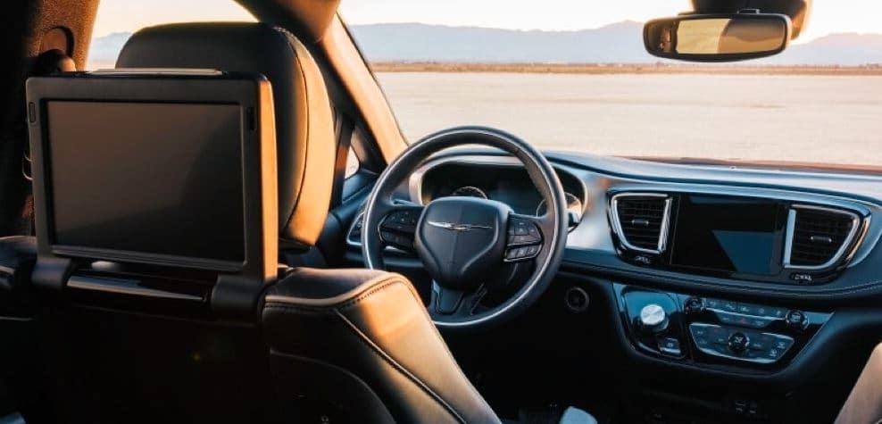 2021 Chrysler Pracficia interior