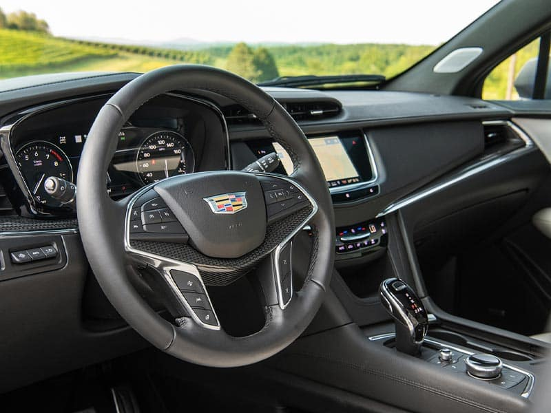 New 2021 Cadillac XT5 premium features and technology